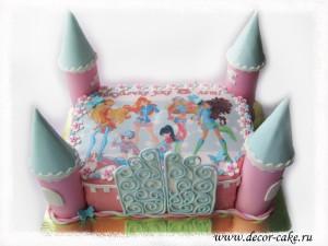Торт в виде замка Винкс