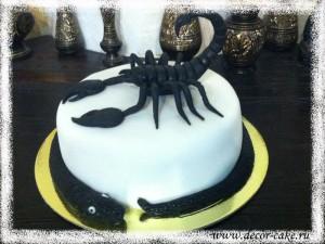 Скорпион из мастики